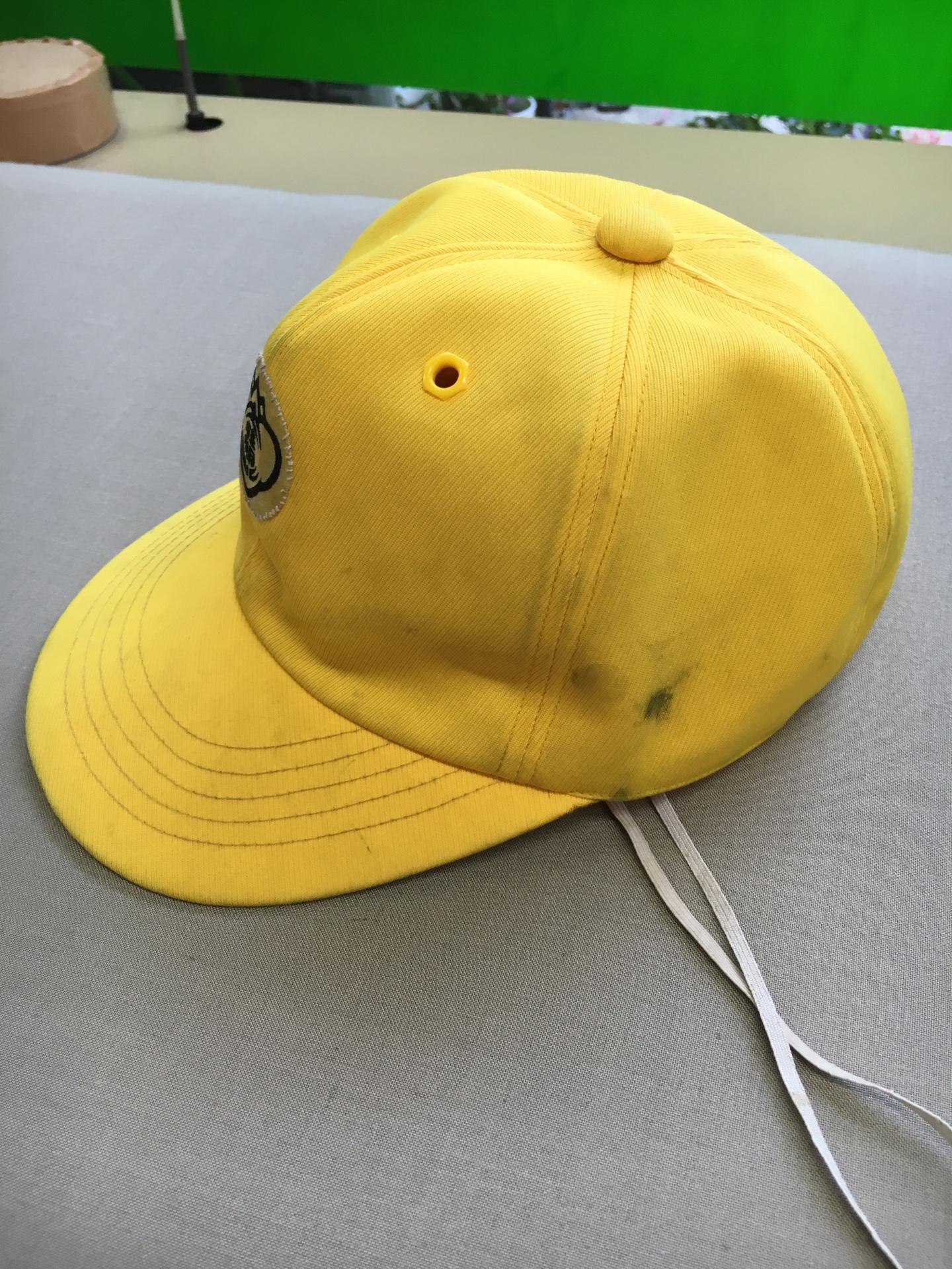 帽子の汚れ01 ビフォー